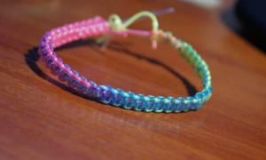 Плетение браслетов из цветных трубочек: схема и фото-подборка для начинающих мастериц