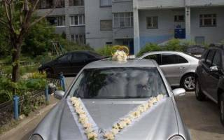 Украшение на машину своими руками на свадьбу: мастер-класс как сделать украшения из фатина с фото и видео