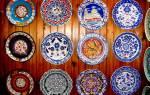 Роспись тарелок своими руками: мастер класс с акриловыми красками и трафареты с фото